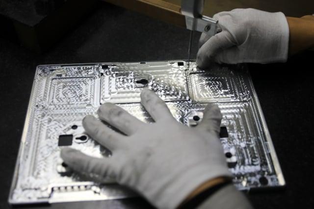 英業達集團(Inventec Corp)週二(8月13日)表示,將在幾個月內把供應美國市場的筆記型電腦的生產遷出中國。(STR/AFP/Getty Images)