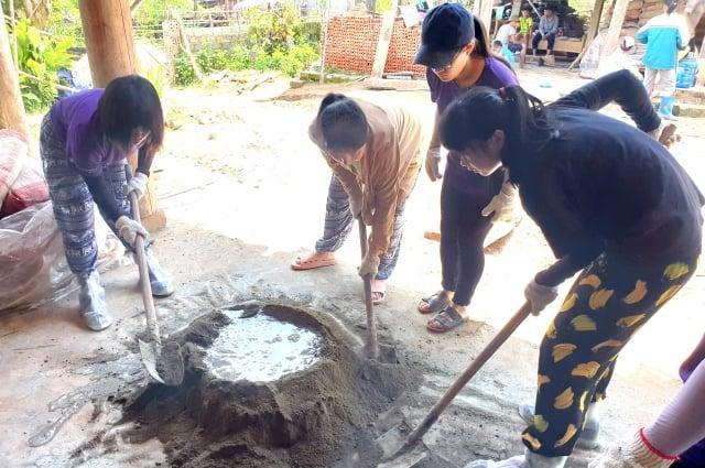 中大國際志工發起蓋家戶廁所計畫,希望為當地帶來基礎衛生生活的改善。