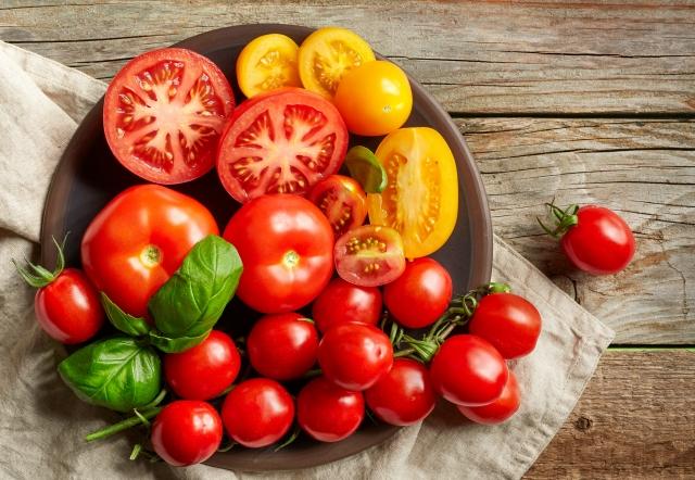 研究人員提到,蘋果、番茄、香蕉3種蔬果,有助於戒菸者恢復肺功能。其中,番茄的效果最為突出。(Fotolia)