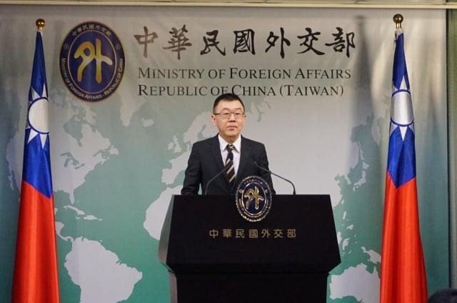 回應台索關係,外交部亞東太平洋司副司長張均宇在例會表示,兩國基本面穩固。(記者李怡欣/攝影)