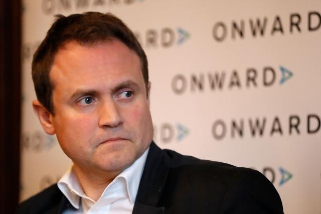 英國外交事務委員會的主席圖根哈特(Tom Tugendhat),呼籲倫敦開放確認符合條件的香港人成為英國公民。(Tolga AKMEN / AFP)