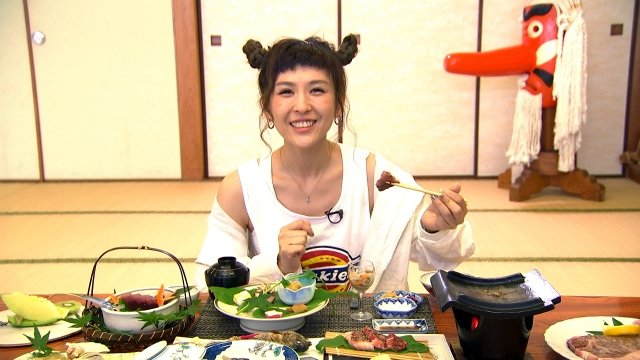 藝人魏如昀大啖和牛料理。(TVBS提供)