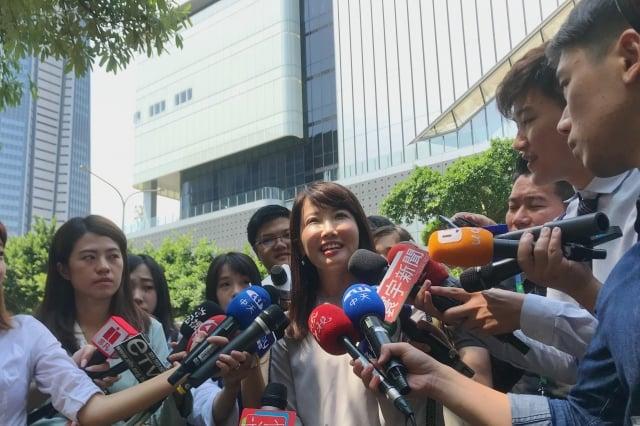 永齡基金會副執行長、郭幕僚蔡沁瑜9日接受媒體訪問。(記者賴玟茹/攝影)
