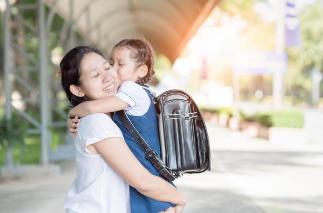 「戀愛」一詞並非男女專利。和兒女談戀愛,是現代父母要修的功課。現代的親子關係,講究的是架在彼此的尊重和關心上。(Fotolia)