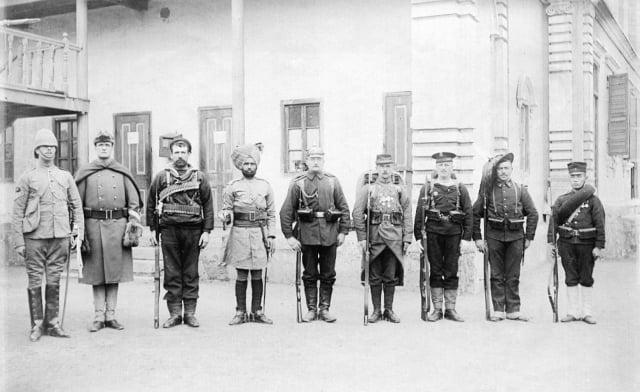 八國聯軍入侵事件後,清朝廷開始實行「新政」,西元1901年,宣布廢除武科科舉考試。圖為1900年的八國聯軍士兵。(維基百科)