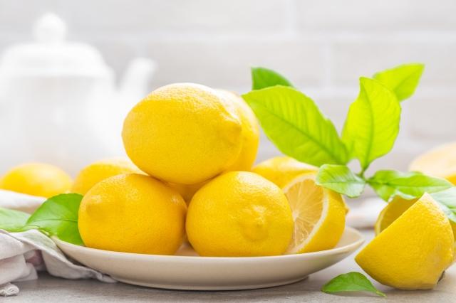 神祕果就有「由酸變甜」改變味覺的神奇功能,只要吃一顆小小的神祕果後,再吃酸檸檬也會變成甜。(Fotolia)