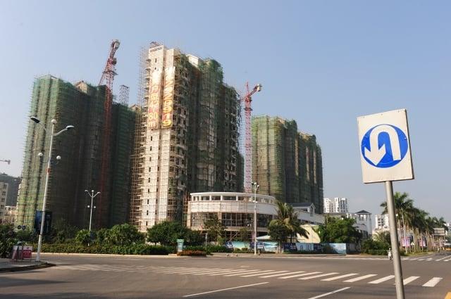 中國中小房企為了能夠「活下去」,不得不出售旗下項目「割肉求生」。(大紀元資料室)