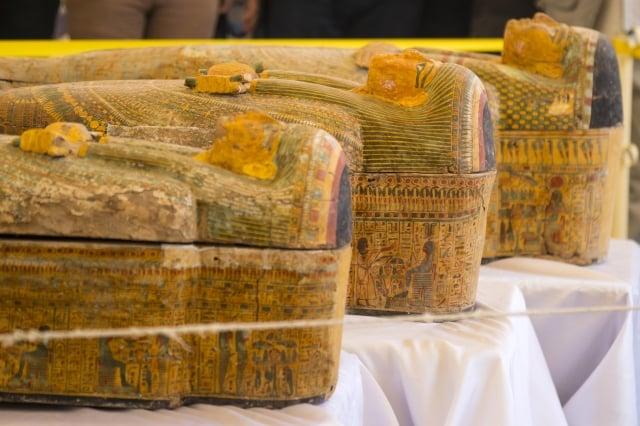 埃及最近在南部古城勒克索(Luxor)出土30具近3000年前木棺。(Khaled DESOUKI / AFP)