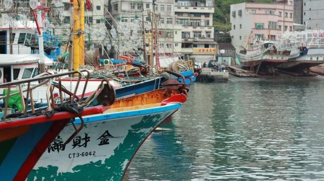 萬里區漁民發展出台灣第一的捕蟹產業,精進漁法、改良蟹籠等漁具,集結了50艘以上的專業捕蟹船,為台灣人民捕獲大量的萬里蟹。(攝影/廖蔚尹)