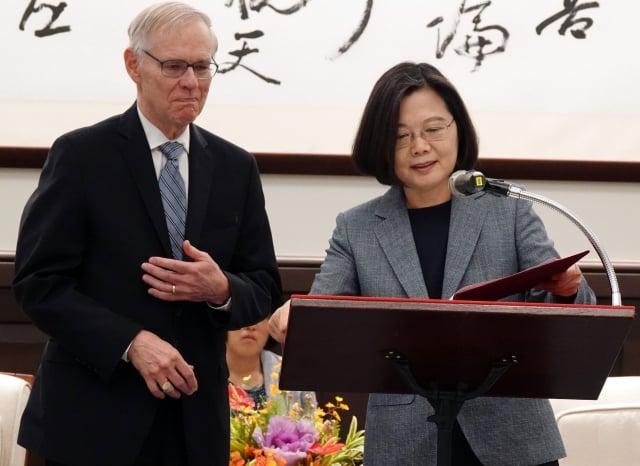 總統蔡英文31日表示,對於取消APEC感到非常遺憾。(中央社)