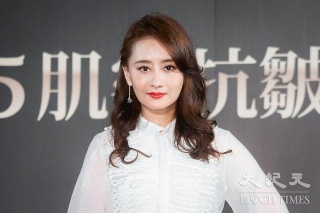 瓊瑤劇女星陳德容4日出席保養品發表會。(記者陳柏州/攝影)
