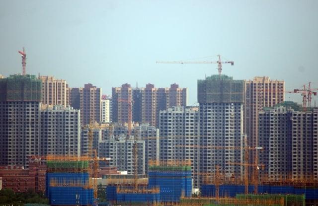 最新 研究顯示,中國居民債務槓桿率可能已經超過85%,其中房貸快速飆升是主因。圖為山東濟南樓市。(大紀元資料室)