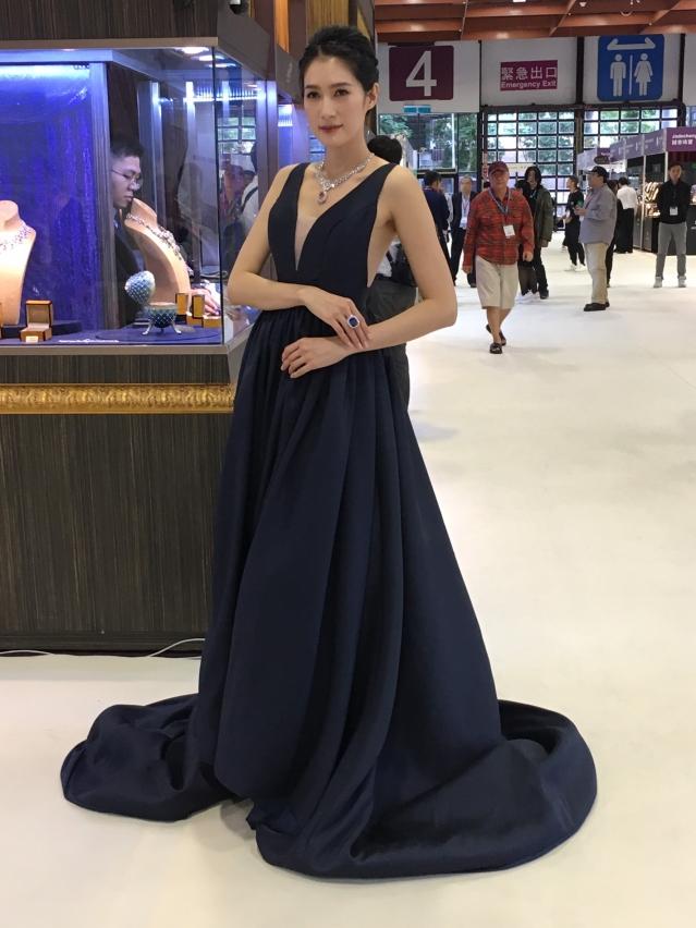 「台灣珠寶首飾展覽會」中,珠寶精品工藝技職學生的亮眼作品。(攝影/林紫馨)