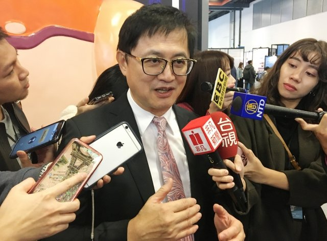 台北市電腦公會理事長童子賢4日表示,美國4年一次總 統大選牽動議題發展,若選舉不明朗,美中貿易摩擦的 解決方案也不會明朗。(中央社)