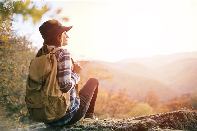 「如果因為想要逃避孤單而選擇結婚,說不定會感到更加孤單」的不成熟。(Fotolia)