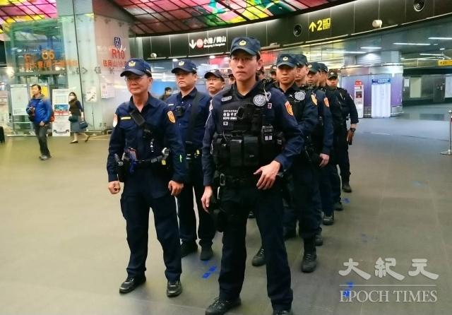 為加強遊行活動維安,警方布署3千警力。(記者方金媛/攝影)