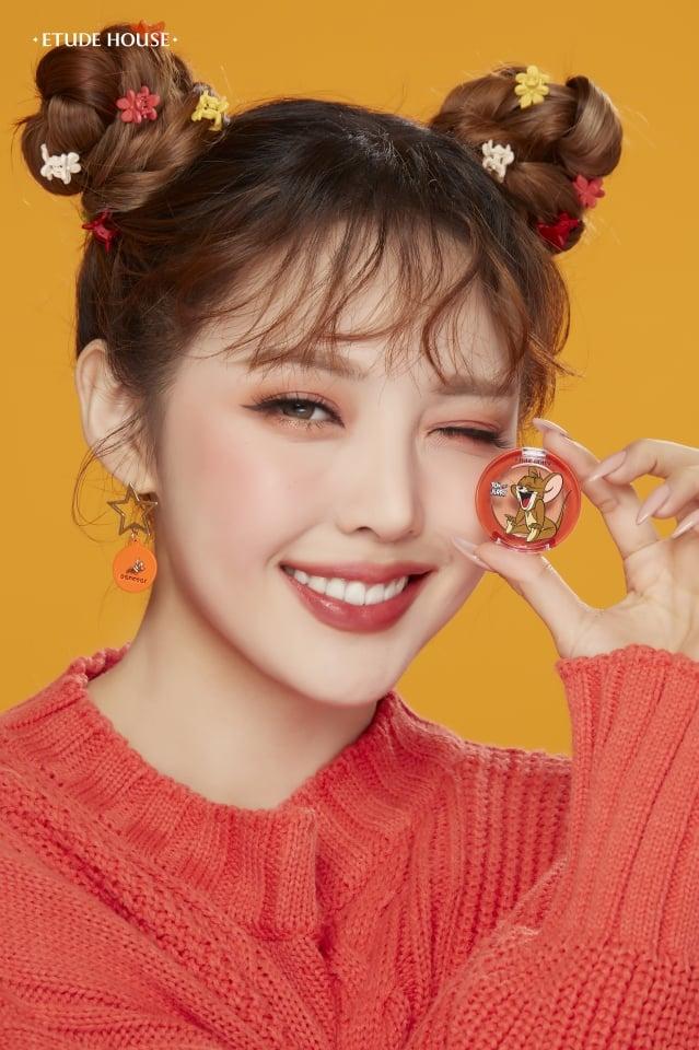 韓妞中流行的微烤系眼影。(品牌提供)