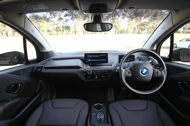 澳洲技術人員研發出新的鋰硫電池,可使電動車行使上千公里。圖為BMW純電動車。(記者Leonard/攝影)