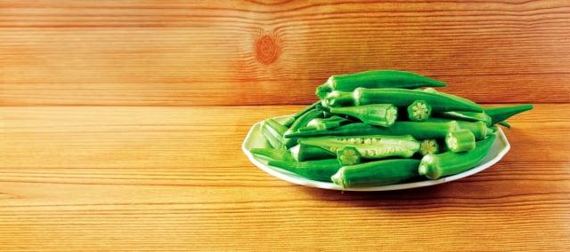 秋葵可以幫助降血糖,原因是秋葵含有類黃酮化合物及可溶性膳食纖維。(shutterstock)