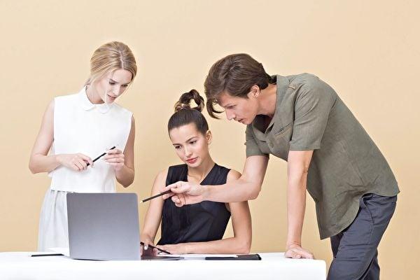 職場人際關係也會影響自己的工作品質。(Pexels)