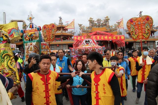 台東縣議會議長吳秀華主持台東元宵活動開鑼。