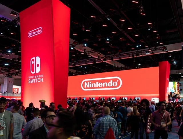 日本遊戲機大廠任天堂表示, 其Switch主機可能在4月就無法供應歐美市場。(維基百科)