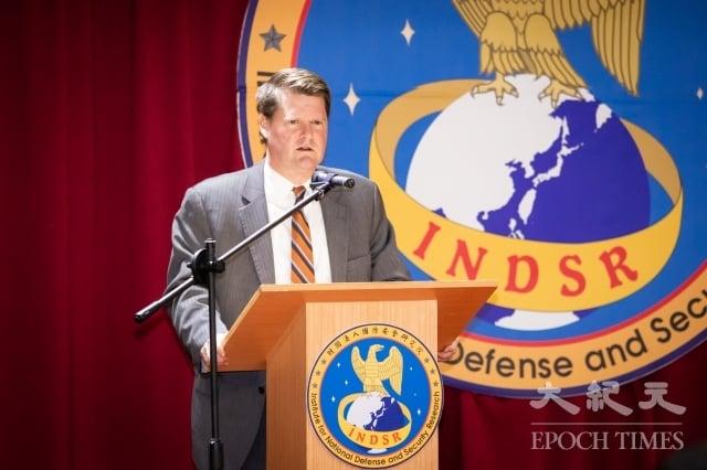 前美國國防部印太安全事務助理部長薛瑞福(Randall Schriver)19日在國防安全研究院發表公開演說。(記者陳柏州/攝影)