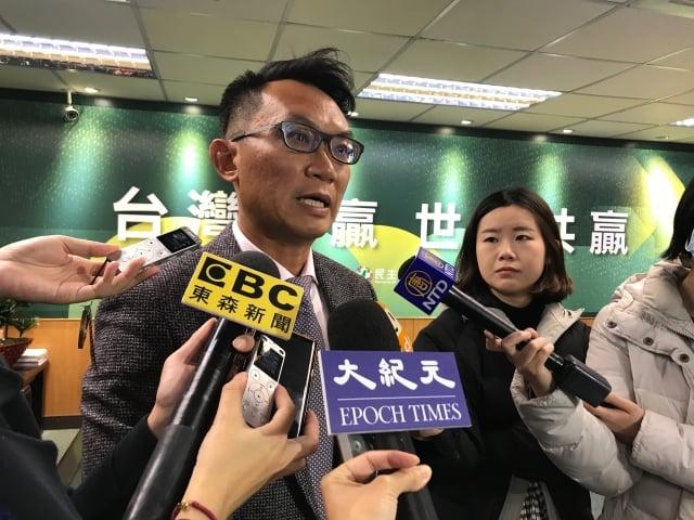 台灣世代教育基金會董事王智盛19日表示,武漢肺炎發展態勢,對兩岸關係危機大於轉機。(記者李怡欣/攝影)