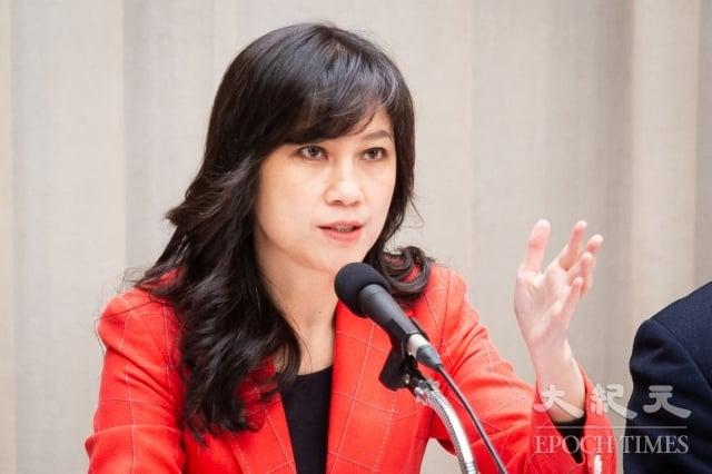 行政院發言人Kolas Yotaka 20日表示,相關部會已在研商如何解決,台灣護照未顯示中國出入境證明問題。(記者陳柏州/攝影)