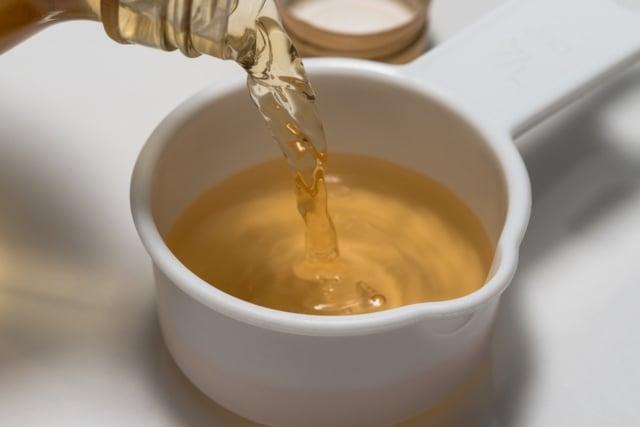 醋洋蔥的攝取量為一人一天50g的洋蔥和15ml的醋,長期食用即可得到理想食療效果。(shutterstock)