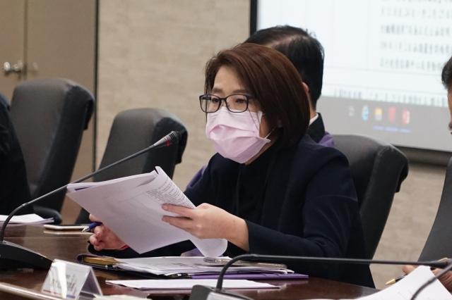 台北市副市長黃珊珊2日下午主持北市府因應2019新型冠狀病毒疫情小組第15次應變會議。(台北市政府提供)