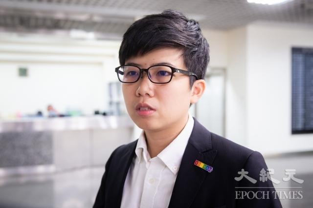 對於前衛生署長李龍騰建議與中國斷航3個月,台北市議員苗博雅(圖)3日表示,必須先解決第三地轉機、如何解釋禁止第三地國人入境等2個難題。(記者陳柏州/攝影)