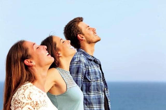 所謂完全呼吸,是一次呼吸同時進行腹式呼吸和胸式呼吸。(Shutterstock)