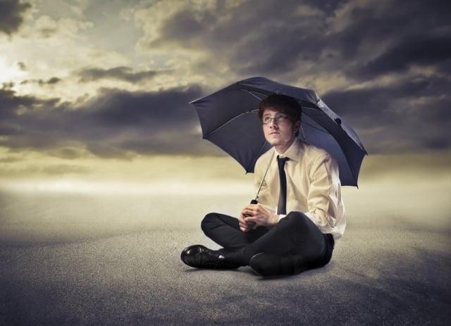愛抱怨的人,除了消耗自己的精神,也會讓周遭環境處於低氣壓。(Fotolia)