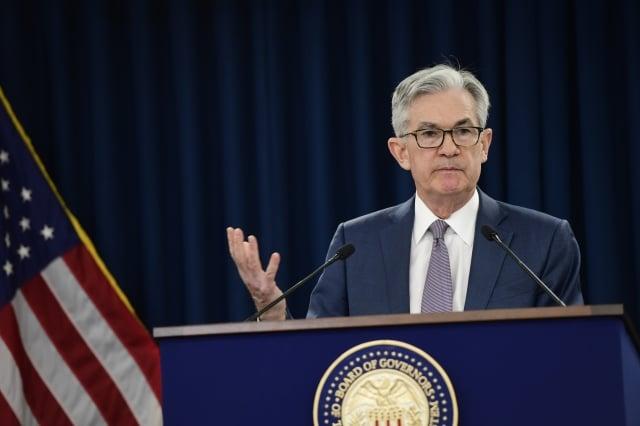 針對美國聯準會(Fed)不到兩週連降6碼。圖為聯準會主席鮑爾。(Mark Makela/Getty Images)