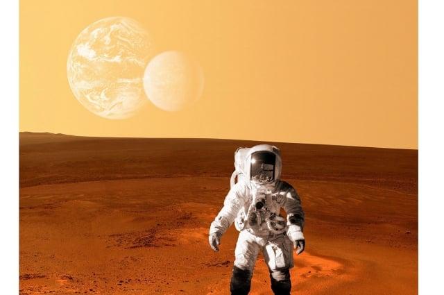 在這個很多人不得不自我隔離的時期,太空人介紹了一些他們獨處的經驗。(ShutterStock)
