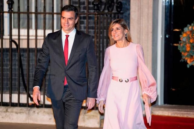 西班牙總理桑傑士及其妻子費南德茲。資料照。(AFP via Getty Images)