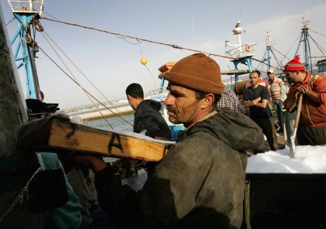 監察委員王幼玲、王美玉調查發現,外籍漁工投保率僅有51.07%。圖為示意圖。(Chris Jackson/Getty Images)