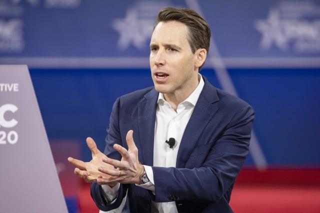 共和黨參議員霍利(Josh Hawley)。(Samuel Corum/Getty Images)