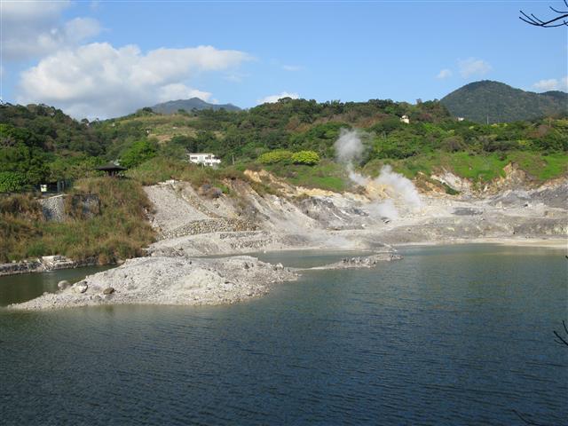 硫磺谷泡腳池。(富喆建設提供)