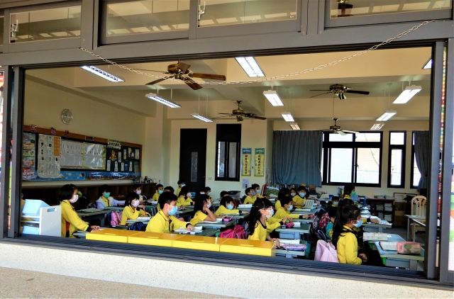 台中預防大規模停課,5月1日起,分段視訊教學演練。 (記者黃玉燕/攝影)