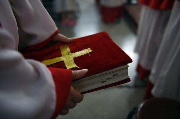 中世紀教會的後期,教會因過多地走入形式與政治而遠離了上帝。示意圖。(Getty Images)