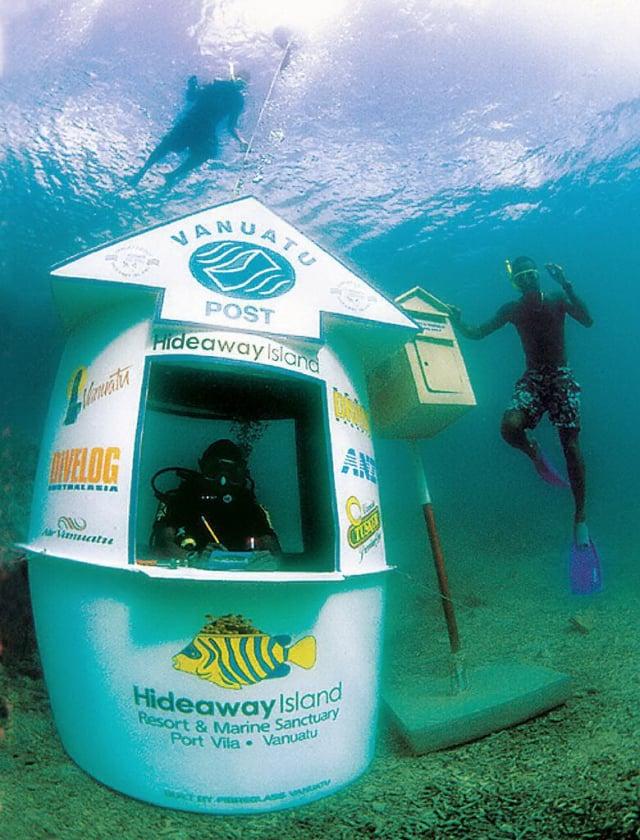 在萬那杜,不能錯過獨一無二的海底郵局。(GettyImages)