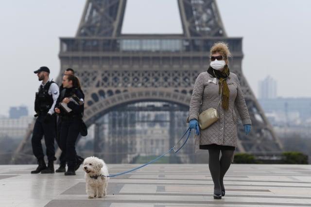 受中共肺炎疫情影響,法國著名的艾菲爾鐵塔前遊客稀疏。(Pascal Le Segretain/Getty Images)