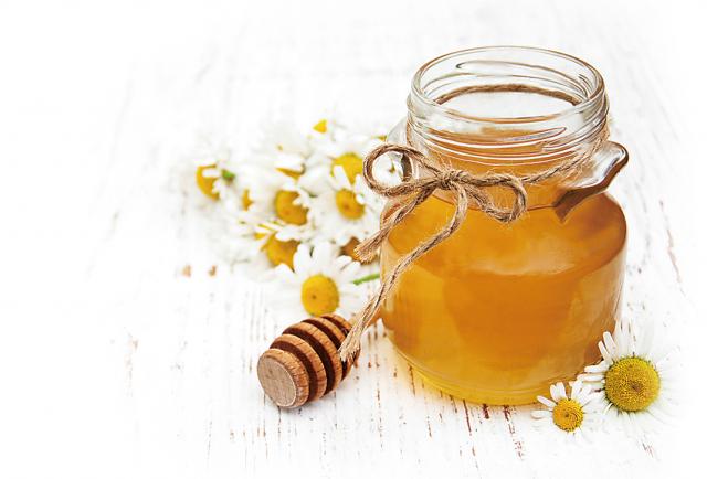 蜂蜜中含有豐富的鉀,鉀離子進入人體後有排除體內鈉離子的功效,從而起到維持血液中電解質平衡的作用。(Fotolia)