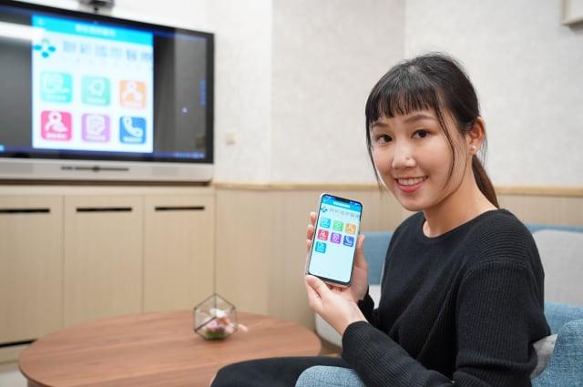 「遠端照護健康雲」服務,可以從手機行動APP、電腦web網頁、電視MOD觀看,大大提高方便性。