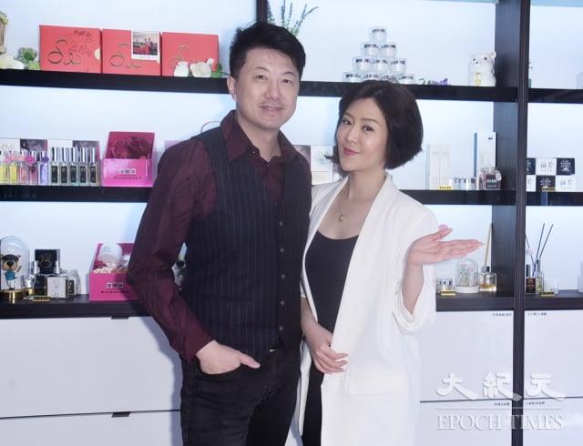 吳皓昇相當支持妻子文汶的事業。(黃宗茂)