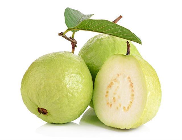 芭樂是水果中的「維生素C之王」,每100克的芭樂中含有 243毫克的維生素C,維生素C的含量遙遙領先其他熱帶水果。(大紀元圖片庫)