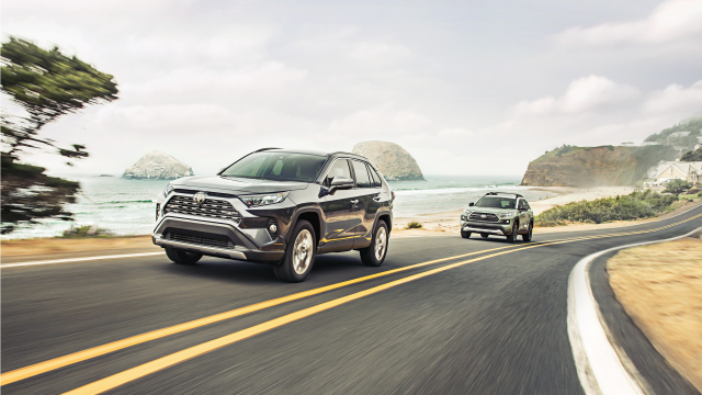 平穩且慢一點的開車習慣,可以節省燃油。(Toyota.com)