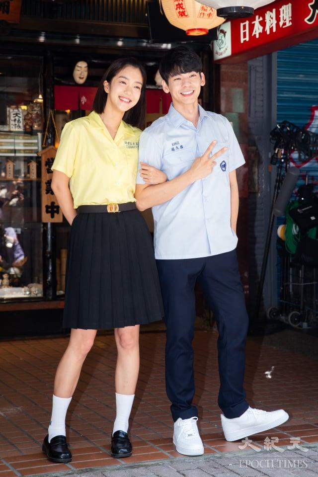 演員李霈瑜(大霈)(左)、林柏宏(右)13日出席迷你劇集《大債時代》開鏡儀式。(記者陳柏州/攝影)
